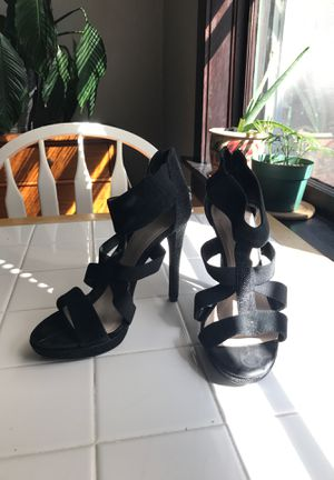 BCBG black heels 8.5 for Sale in St. Louis, MO