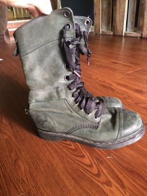 Dr. Martens women's boots 8 for Sale in Tampa, FL