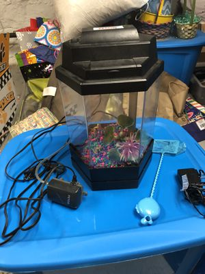 PetCo Fish Tank w/ Filter for Sale in Pittsburgh, PA