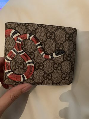 Brown snake 🐍 Gucci men wallet for Sale in Sacramento, CA