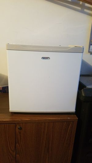 Small Freezer. for Sale in Yardley, PA