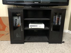 Corner TV stand for Sale in Pittsburgh, PA