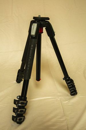 Manfrotto MT190 XPRO4 Tripod for Sale in Federal Way, WA