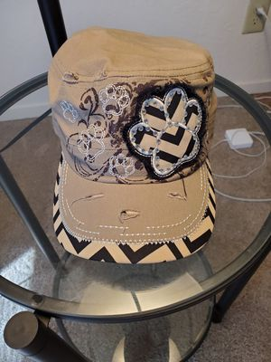 Tan and Cream Paw Cargo Hat for Sale in Fresno, CA