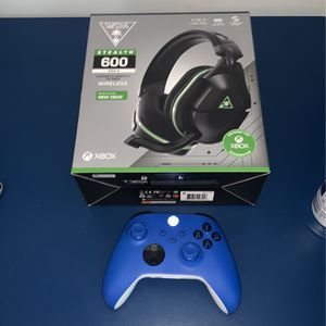 Xbox Controller And Turtle Beach Headset for Sale in North Olmsted, OH