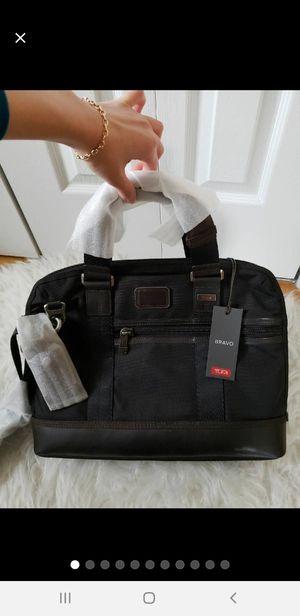 New TUMI messenger bag for Sale in Palisades Park, NJ