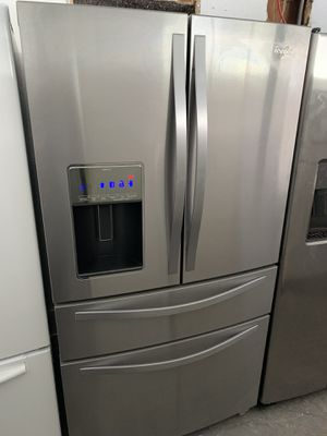 Whirlpool refrigerator for Sale in Plant City, FL