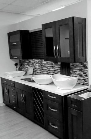 Wood & Granite. for Sale in Hialeah, FL