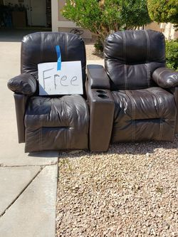 Dual Recliners And Center Console For RV- Located In Chandler AZ for Sale in Chandler,  AZ