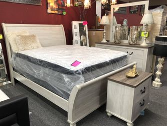 Queen White Wash Finish 4 Piece Bedroom Set RD4 for Sale in Irving,  TX
