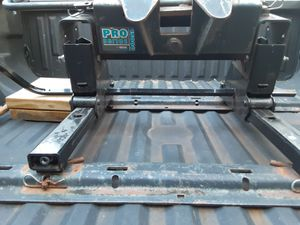 Reese sliding fifth wheel hitche for Sale in Salem, WI