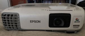 Epson Powerlite 99w 3-LCD HDMI projector for Sale in Lathrop, CA