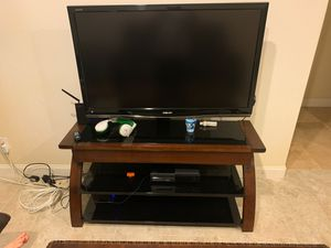 Tv stand and tv for Sale in El Cajon, CA