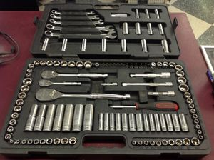 """97pc gear wrench 1/4"""", 3/8"""", 1/2"""" drive socket set / tool kit sae & metric. for Sale in Columbus, OH"""