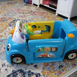 Fisher Price Laugh And Learn Crawl Around Car for Sale in Cleveland, OH