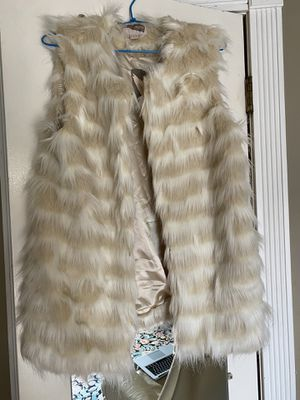 Forever 21 New with Tags Fur Vest White Beige Ret. $40 for Sale in Coronado, CA