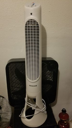 Honeywell Tower Fan for Sale in Houston, TX