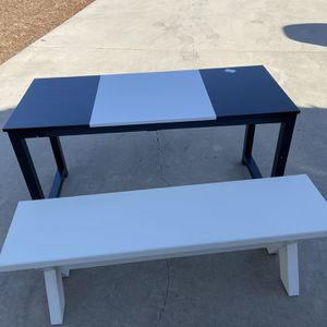 Desk Or Table for Sale in Madera, CA