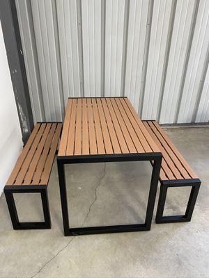 Picnic table outdoor patio furniture for Sale in Bakersfield, CA