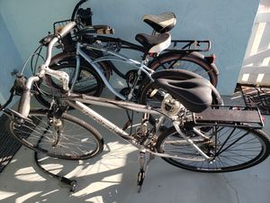 Bikes and patio furniture for sale for Sale in Sarasota, FL