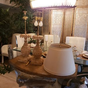 2 Beautiful Lamps With Shades for Sale in Miami, FL