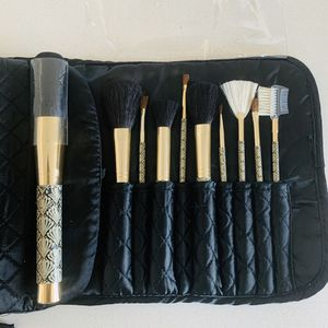 NEW 10-pc Makeup Brush Set with Cases for Sale in Philadelphia, PA