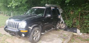 Jeep liberty 2004I am selling, the car is complete, I have the title clean, I sell it whole, or by parts, excellent engine works very well, for Sale in Nashville, TN