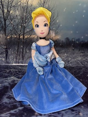 "Disney Store Cinderella 17"" plush doll for Sale in Lakewood, CA"