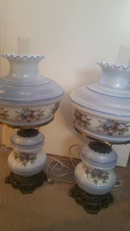 """Vintage """"Gone with the Wind"""" Lamps for Sale in Austin, TX"""
