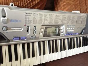 Casio keyboard ctk-496 for Sale in Long Beach, CA