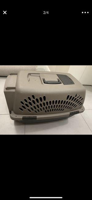 Cat / dog travel crate medium to small for Sale in Miami, FL