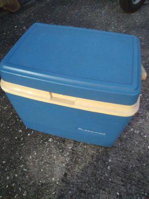 Cooler for Sale in Orlando, FL