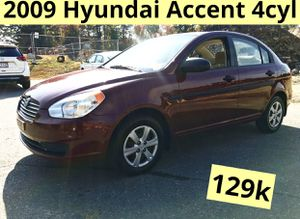 2009 Hyundai Accent 4cyl for Sale in Worcester, MA
