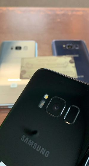 Samsung Galaxy S8 Like New / Cracked - Factory Unlocked / AT AND T T-Mobile Verizon Sprint Starting @ for Sale in Arlington, TX