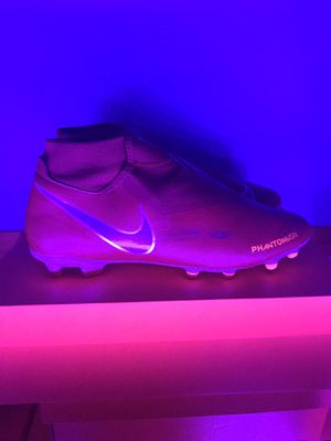 Nike Phantom VSN Academy Soccer Cleats for Sale in Plainfield, IL