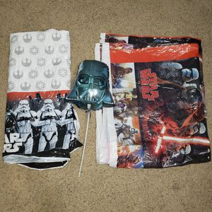 Star Wars tablecovers & Darth Vader Helmet Mini Shape Balloon for Sale in Watauga, TX