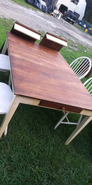 Ethan Allen Kitchen Table set w/4 chairs included for Sale in Southampton Township, NJ