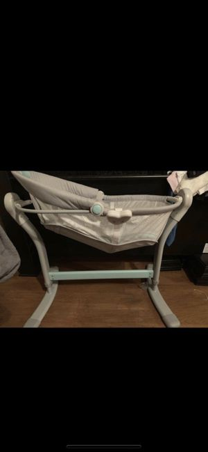 Baby Bassinet for Sale in Riverside, CA