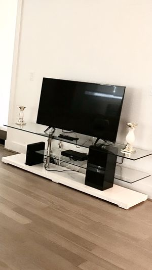 Modern TV stand for Sale in Los Angeles, CA
