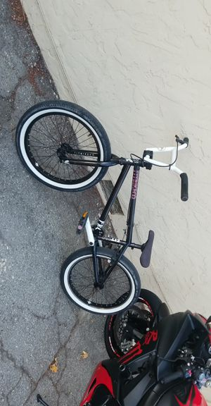 """20"""" FitBikeCo Benny 1 with custom white handle bars. for Sale in San Jose, CA"""