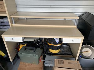 Desk and bookshelves for Sale in Renton, WA