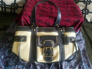 Coach straw and leather large purse LIKE NEW for Sale in WILOUGHBY HLS, OH