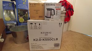 Keurig K2.0-K550CLB with 2 thermal carafe for Sale in Tacoma, WA