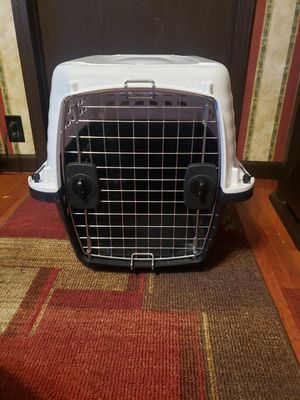 Med size kennel for Sale in Granite City, IL