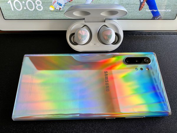 Samsung - Galaxy Note10+ with 256gb Memory Cell Phone (UNLOCKED) - Aura Glow Color + Galaxy Buds wireless earbud headphones