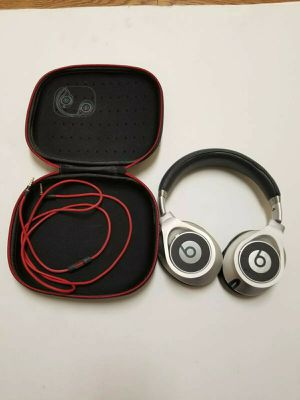 Beats by Dr Dre Executive Noise Cancelling Over Ear Headphones Silver for Sale in Houston, TX