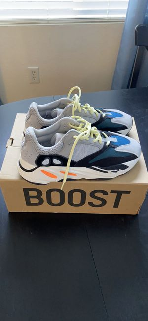 AUTHENTIC YEEZY BOOST 700 SIZE 11 W/ box for Sale in Mission Viejo, CA