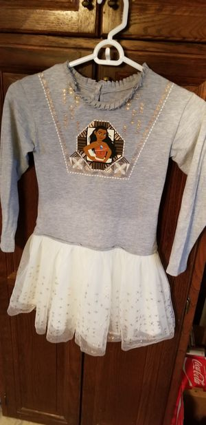 DISNEY MOANA DRESS for Sale in Everett, MA