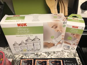 Nuk baby bottle gift set and extra for Sale in Phoenix, AZ