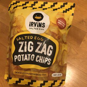 Irvins Salted Egg Zig Zag Potato Chips (230g - Large) for Sale in Walnut Creek, CA